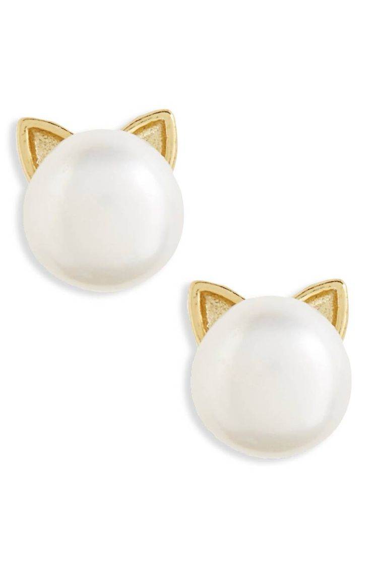 Dainty cat ears add a fanciful flourish to these lustrous pearl earrings.