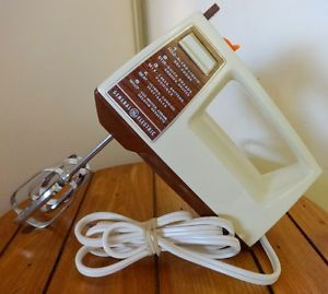 GENERAL ELECTRIC Vintage Hand Mixer // Made in Canada / Retro