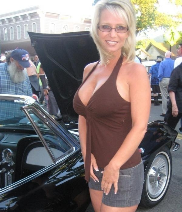 Busty Hot Mama