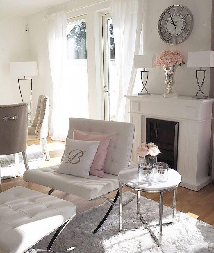 Such a beautiful livingroom of @mk_maison   Omega - Sessak lighting  #sessaklighting #interiorinspiration #homelighting #interior #interiorstyle #interiorinspo #interiordesign #valaisin #sisustus #sidelamp #tablelamp #inspiration #homelighting #homedecor #lighting #lamp #sessak