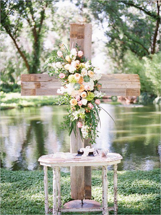 rustic+cross+ceremony+backdrop+#Wedding+#Backdrop