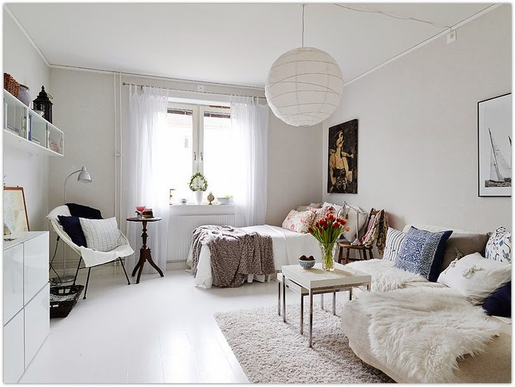 Art Symphony: Tiny, well-designed apartment