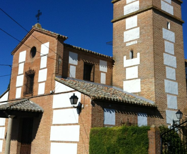 Publicamos la iglesia parroquial de San Pedro Apóstol en Malpica. #historia #turismo  http://www.rutasconhistoria.es/loc/iglesia-parroquial-de-san-pedro-apostol