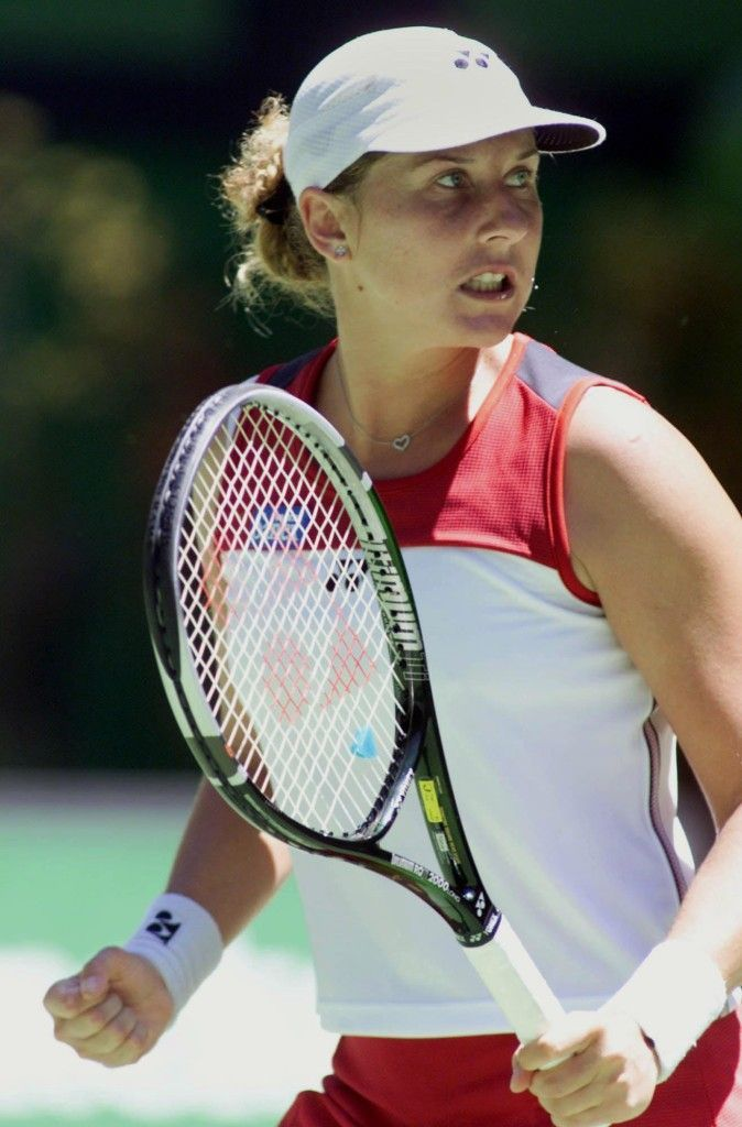 Greatest Female Tennis Players Ever Monica Seles Seles Exploded Onto The Scene In 1990 When She Won The Fren Monica Seles Tennis Techniques