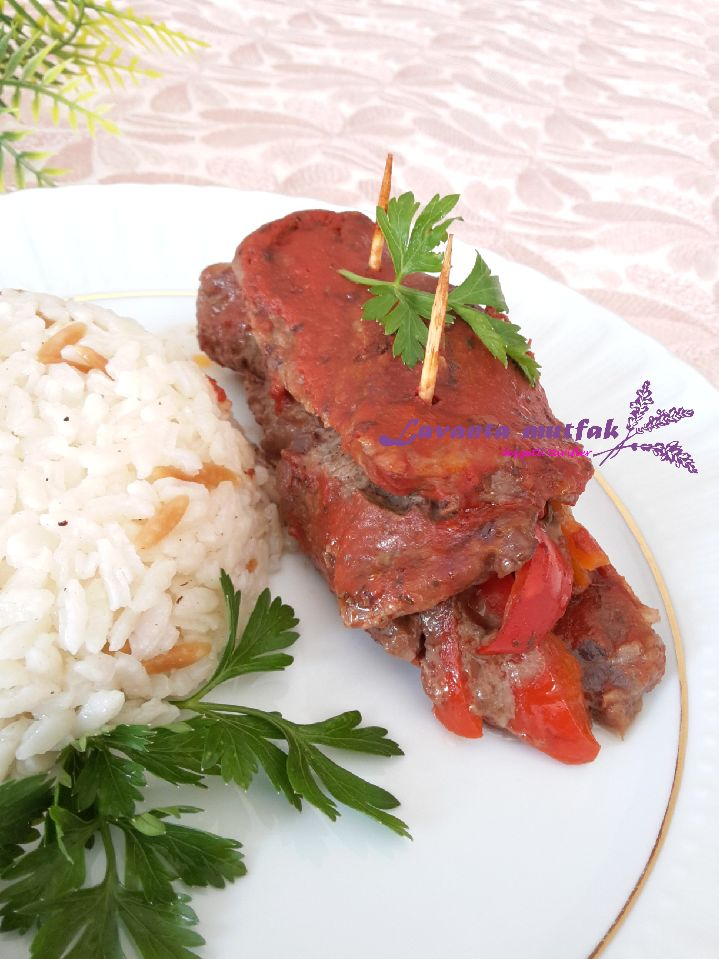 Sebzeli Biftek Sarma