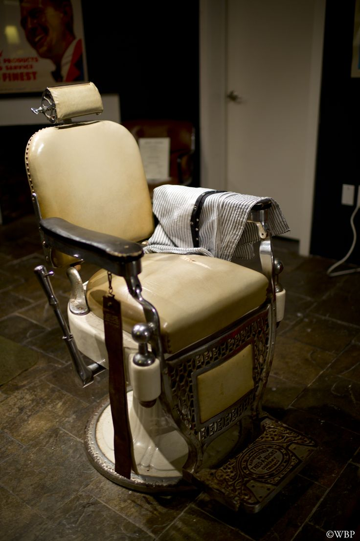 Classic barber shop chairs - Barber Chair At Ball And Buck Newbury Street Boston