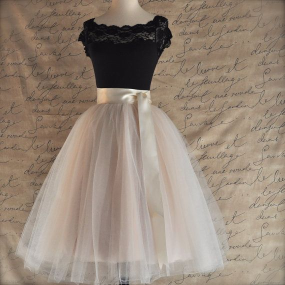 Palest+champagne+tulle+skirt.+Fluffy+tulle+by+TutusChicBoutique,+$200.00