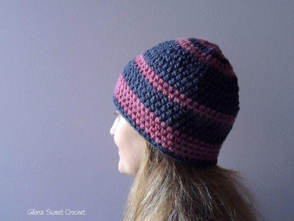 """Cappello di lana """"Giulietta"""", da donna realizzato a uncinetto. di GloriaSweetCrochet su Etsy https://www.etsy.com/it/listing/263503454/cappello-di-lana-giulietta-da-donna"""