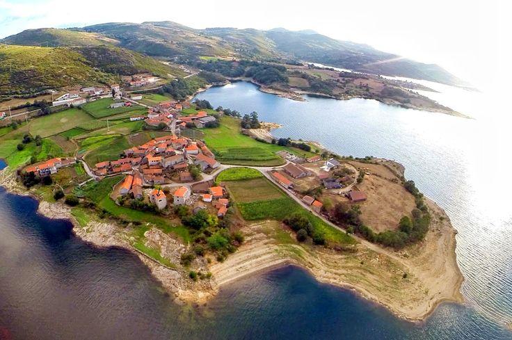 Vilarinho de Negrões--Portugal