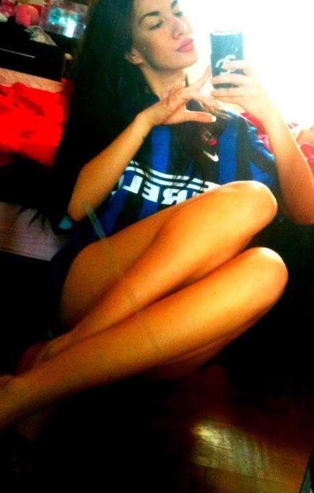 La fidanzata di Livaja <3  Guarda la FOTOGALLERY--> http://www.bauscia.it/2012/11/10/valentina-miletic-marko-livaja/#1