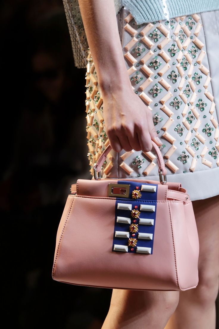 Fendi spring summer 2015 runway bag collection spotted fashion - A Detail Of The Fendi Spring Summer 2015 Collection Look 44
