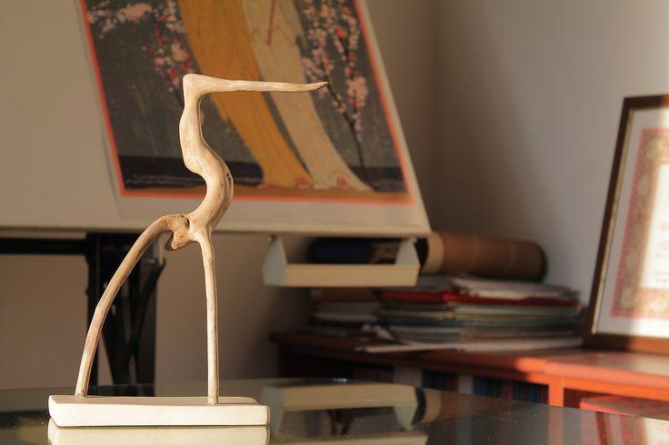 """""""Lolly"""" - Creazione di wood design in legno di mare con base in pietra leccese sagomata a scalpello."""