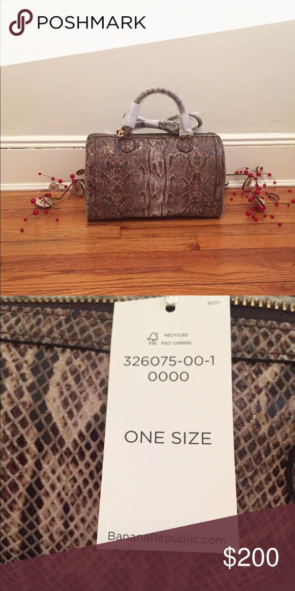 Banana Republic Exotic Evan Snakeskin Purse Beautiful new purse with tags. Snake skin pattern. Great for everyday use! Includes shoulder strap. Willing to negotiate so make an offer!! Banana Republic Bags Satchels