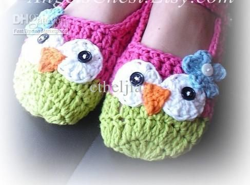 Adorable Owl Slippers.  @Emily Schoenfeld Leigh Latham  You need to make these for me!  :)