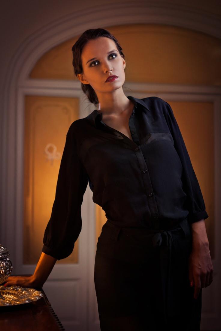 Partly see-through black blouse. Blusa negra parcialmente transparente.. €90,00, via Etsy.  www.iconicbarcelona.com