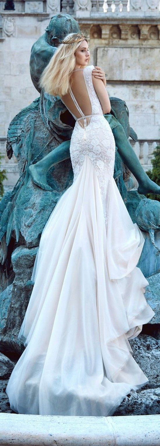 Galia Lahav Fall 2016 Ivory Tower Beach Wedding Dress / http://www.deerpearlflowers.com/beach-wedding-dresses-with-gorgeous-details/