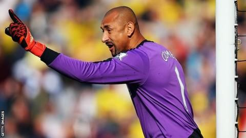 Heurelho Gomes: Goalkeeper signs improved deal with Watford