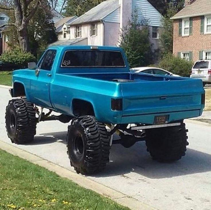 Lifted chevy custom truck square body