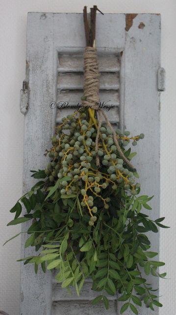 Toef pistacheblad met dadeltak | Kransen en groendecoraties | Blomkje en Wenje