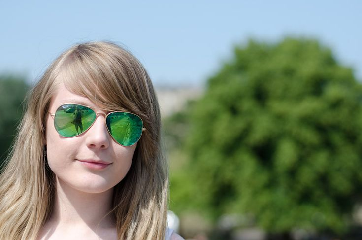 WIN a FREE pair of Ray-Ban Mirrored Aviator Sunglasses | Raindrops of Sapphire