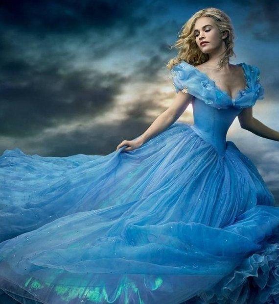 Blaues kleid cinderella