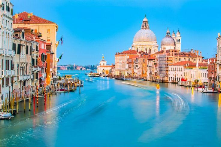 イタリアの中央部に位置するトスカーナ地方。トスカーナ地方は、ルネッサンスの中心となったフィレンツェやピサやシエナなど多くの古都と文化遺産や自然景観に恵まれていイタリアらしさを感じさせてくれるエリアです。今回は、そんなイタリアの田舎町トスカーナをご紹介いたします。 世界遺産の多い地方 image by iSto