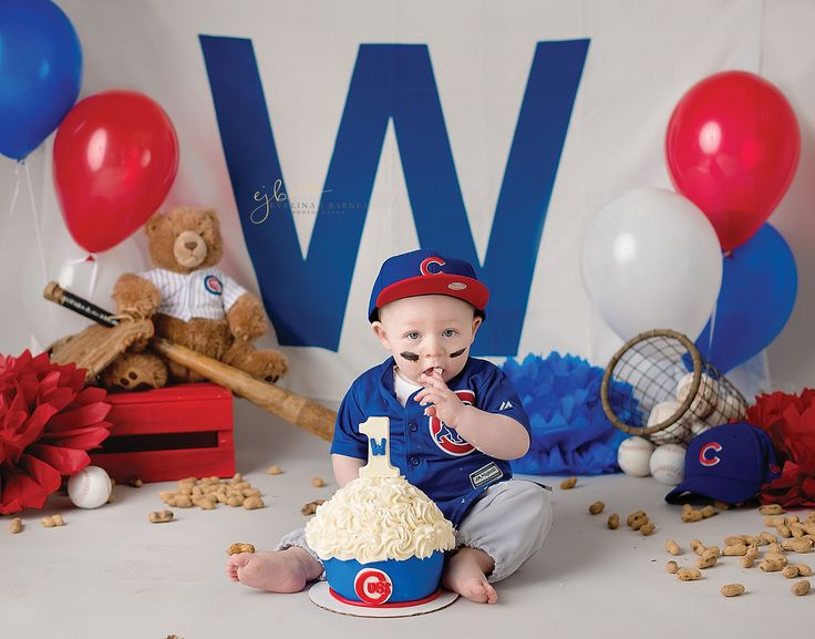 Chicago Cubs themed cake smash {Lanark IL 1 year old photographer}