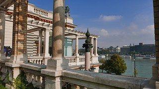 Budapešť, Zámecká Zahrada Bazar, Pohled