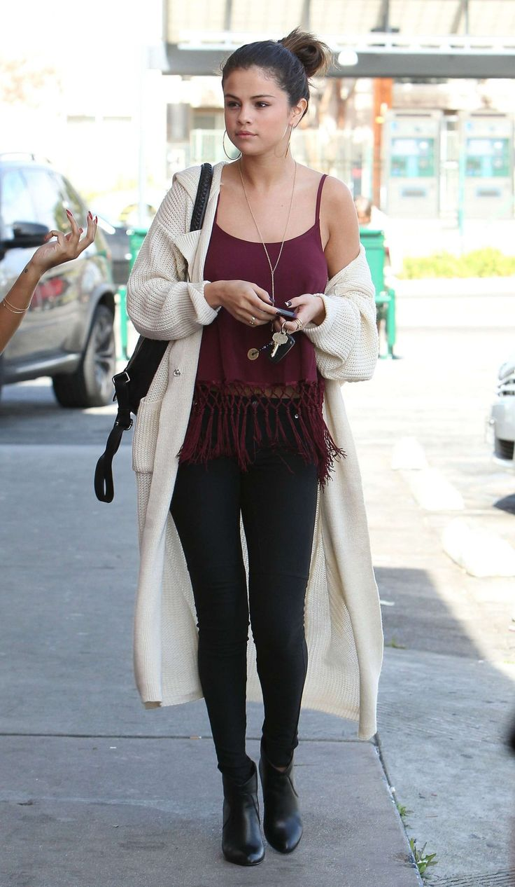 In L.A. seeing celebrities such as Selena Gomez casually roaming the streets is nothing out of the ordinary.