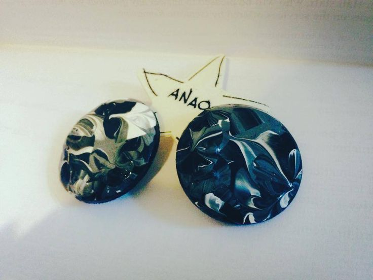 "Hand pAINTED earrings ""MOA"" grey/black/white"