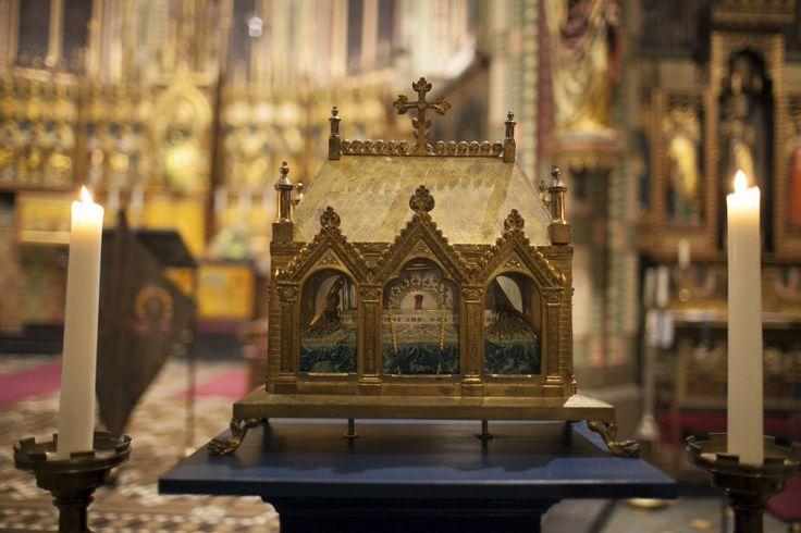 Het schrijn waarin in Warfhuizen de relieken van onder andere de heilige Gerlachus en Antonius worden bewaard.