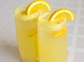 Zázvor je surovina, která je dobrá i v létě i v zimě. V zimě umí dokonale zahřát celé tělo, s přidáním medu a citronu je to hotová medicína a v létě zase víte připravit osvěžující limonády, samozřejmě s osvěžujícím citronem, mátou nebo s ledem. Říká se, že v létě nemáte své tělo ochlazovat ledovými nápoji, aby tělo nedostalo teplotní šok, proto s tím ledem opatrně.