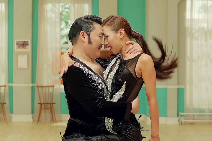 """PSY - """"Daddy"""" Featuring CL Music Video Is as Over-The-Top as You Would Imagine"""