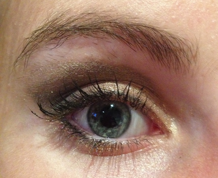 Nice light smokey eye for a 12 year old school dance. using Elusyion mineral eyeshadows in wattle seed , kosmos, tantalize and liquid mineral trio of bronze and brown with a nice nude gold.  #makeup #elusyion #mineral #bare-naked-beauty #perth #australia