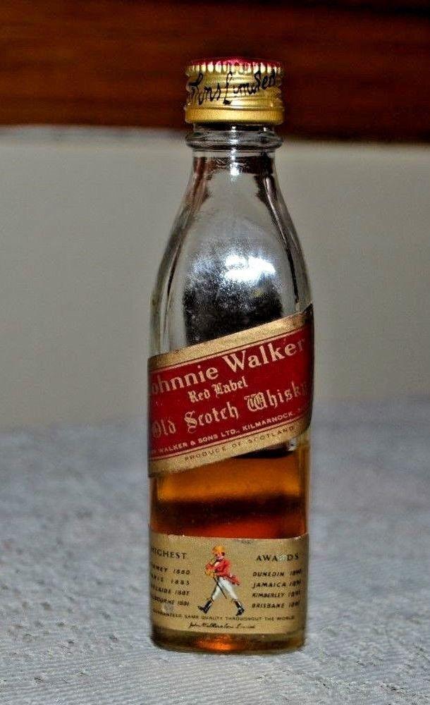 15d8fc1517c06 VINTAGE MINIATURE JOHNNIE WALKER RED LABEL SCOTCH WHISKEY BOTTLE 1 10 PINT
