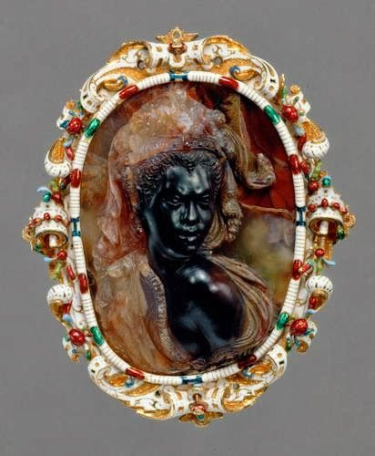 Amazing cameo of a Moorish woman from the 16th century 1602 à 1608, from the atelier of Girolamo Miseroni, Milan 1522 - 1600   Artiste : Biovani Ambrogio   Kunsthistorisches Museum, Vienne , Kunstkammer probablement issu de la Coll de Rodolphe II à Prague.
