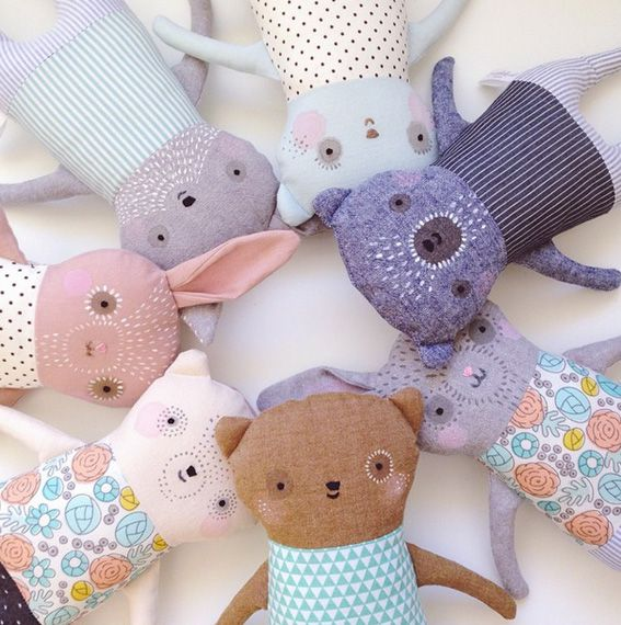 Ok how super beautiful are these handmade soft toys by mother/daughter duo Ez & Kaia Pudewa? They run a business calledPetit Pippin and they lovinglydes