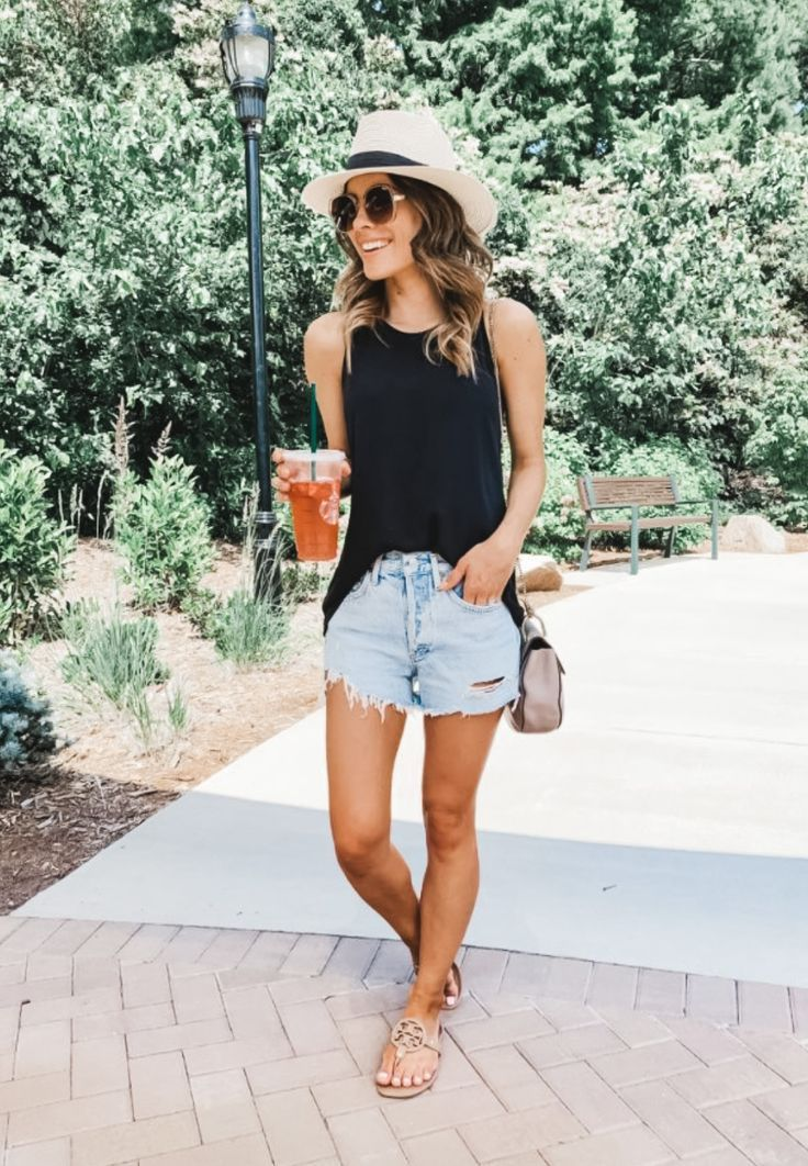 Every Girl's Summer Essentials: List of must-haves in wardrobe