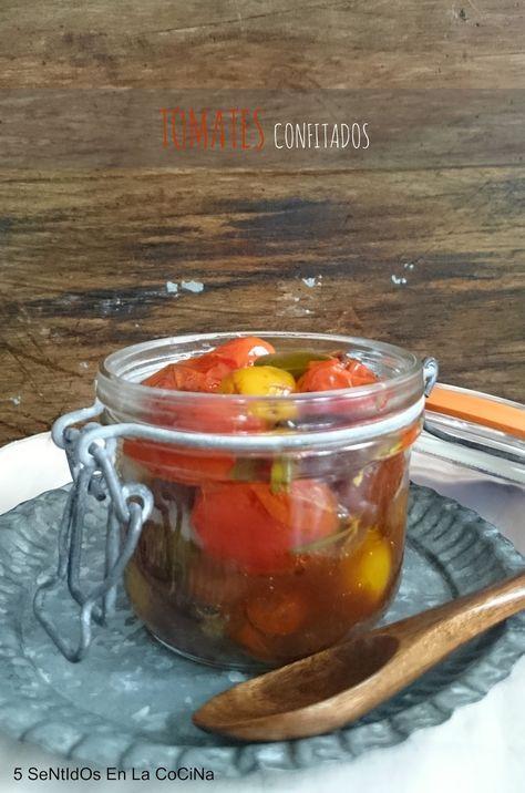 Estos tomates cherry confitados son puro vicio! Los podemos hacer en gran cantidad yconservarlos en botes herméticos para tenerlos listos...