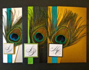 Invitación de la boda de pluma del pavo real doble con adornos