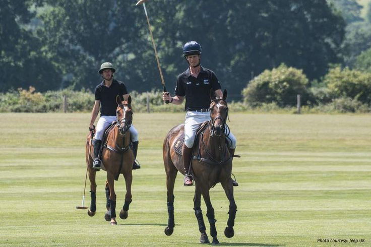 William Fox-Pitt and Polo Player Nic Roldan Swap Sports https://link.crwd.fr/3md