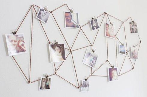 Photos accrochées sur un cordage