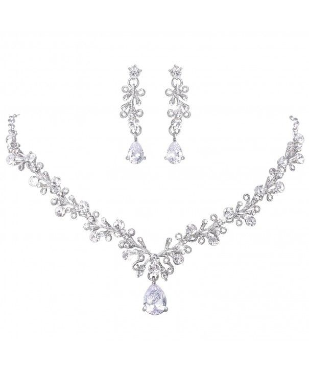 Lilie White Crystal Necklace Earrings
