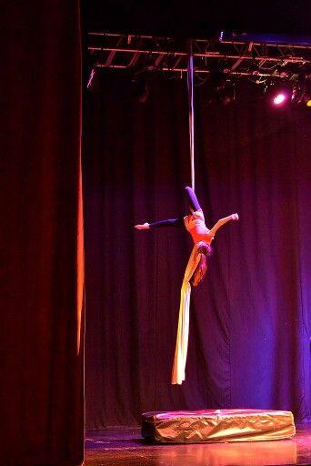 #mega #acrobaciaAerea acro en tela