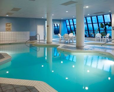 Embassy Suites Portland - Washington Square Hotel, OR - Indoor Pool