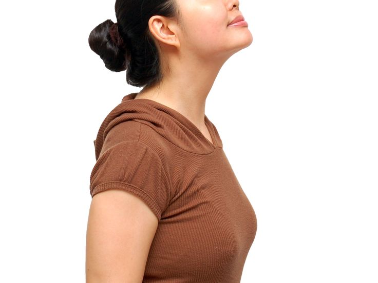 Facial exercises for tightening the neck