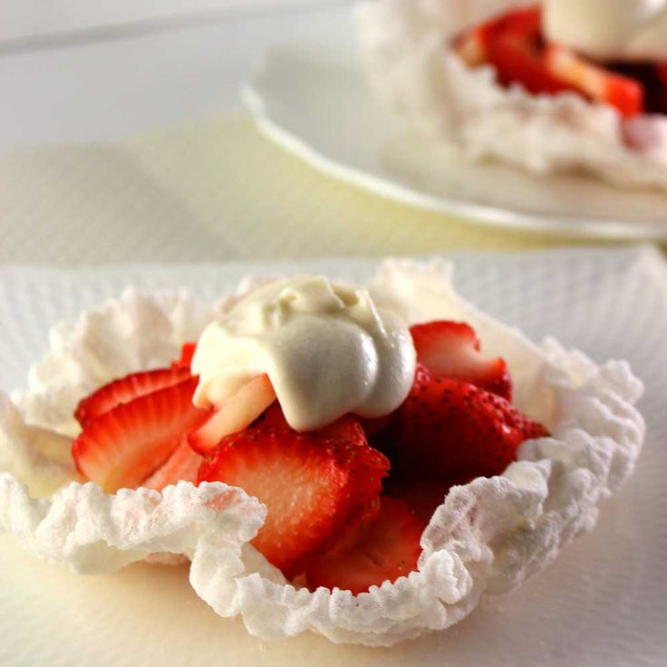 Strawberry Rice Paper Crisps