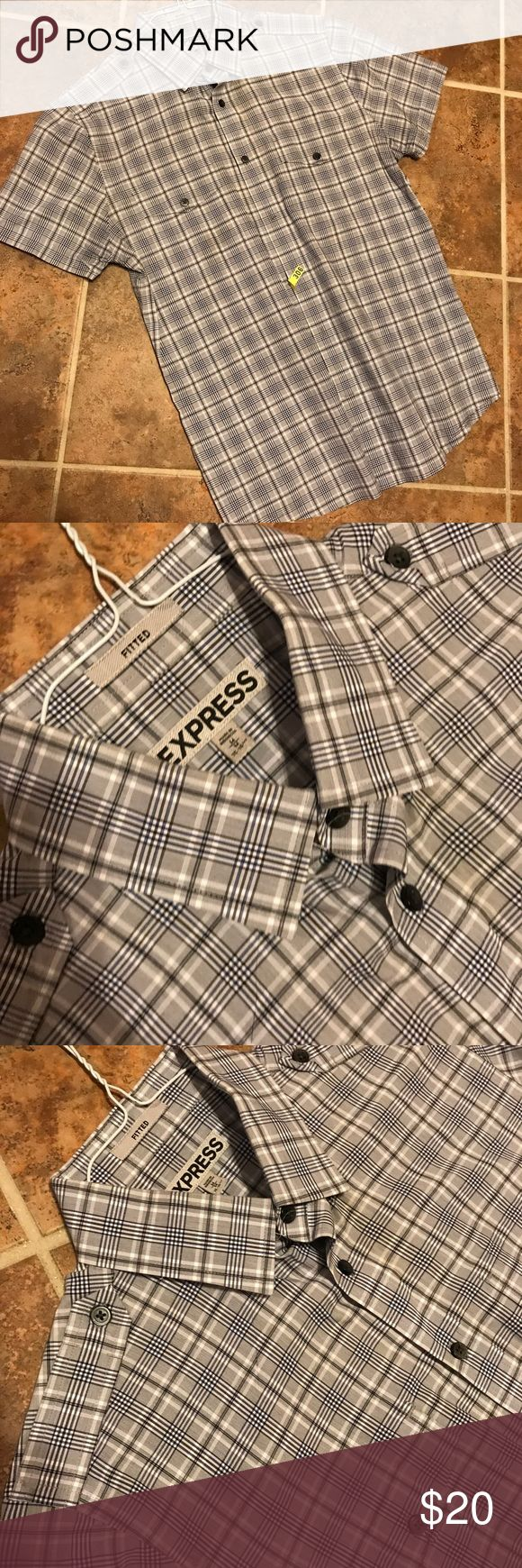 EXPRESS 💁🏻‍♂️🍺 In excellent conditions! Just came back from the dry cleaner 😉 worn twice.... cute and perfect for any conditions! Any questions please feel free to ask! 😘 bundles of 2 items or more have additional 15% off Express Shirts Dress Shirts
