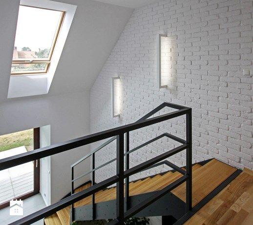 ATRAKCYJNY 1 - realizacja projektu - Średnie schody, styl skandynawski - zdjęcie od DOMY Z WIZJĄ - nowoczesne projekty domów