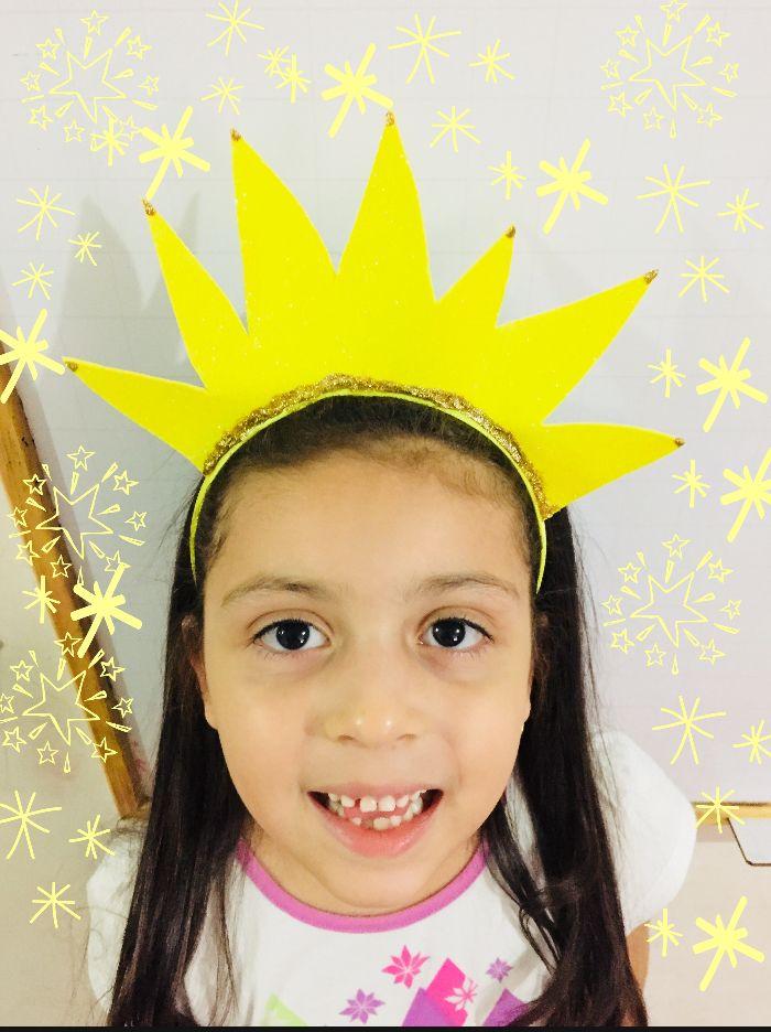 Talent Show 🎤🎵💛 vincha de rayos solares para acompañar atuendo de sol ☀️  •••••••••••••••••••••••••••• #Colombia #Barranquilla #manosquecrean #hechoamano #Artephie #vivetuimaginación